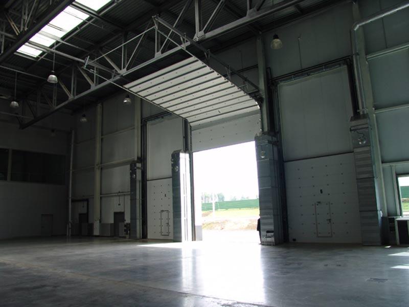 секционные ворота промышленные складские помещения
